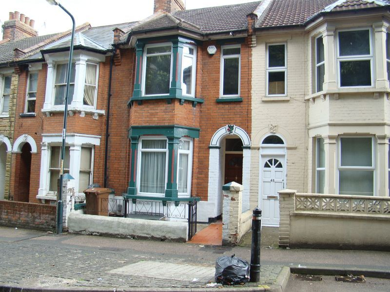 3 bed house to rent in Boundary Road