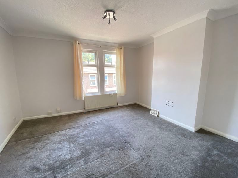 2 bed house to rent in Victoria Street