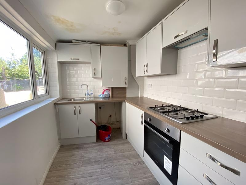 2 bed house to rent in Victoria Street 4