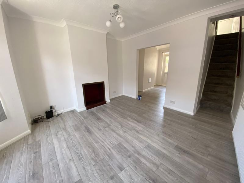 2 bed house to rent in Victoria Street 6