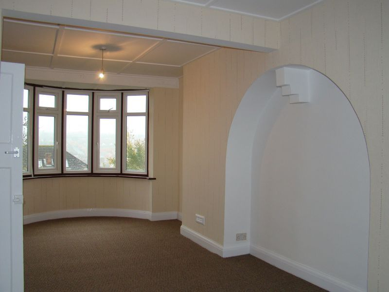 4 bed house to rent in Longhill Avenue  - Property Image 2