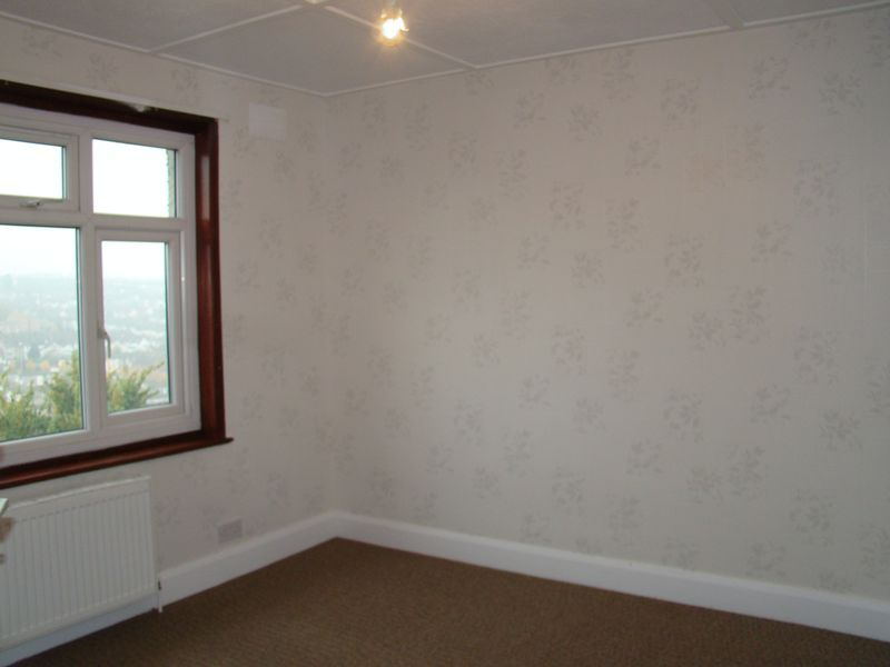 4 bed house to rent in Longhill Avenue 4