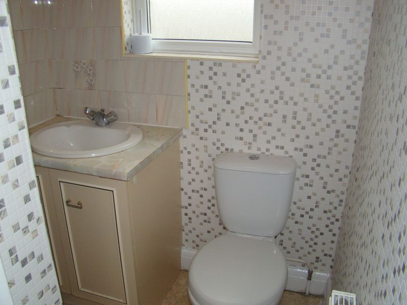 4 bed house to rent in Longhill Avenue 7