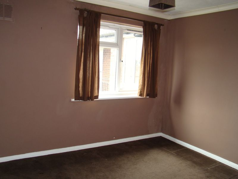 1 bed flat to rent in Derwent Way 4