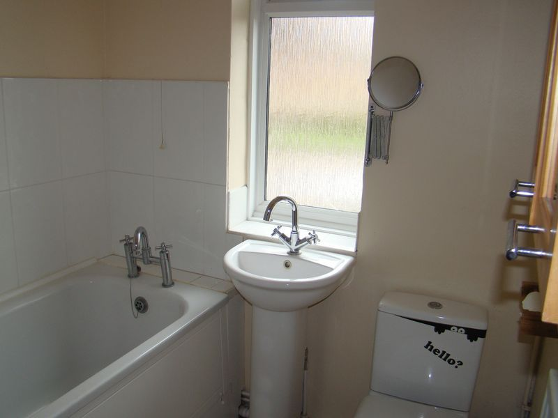 1 bed flat to rent in Derwent Way 5