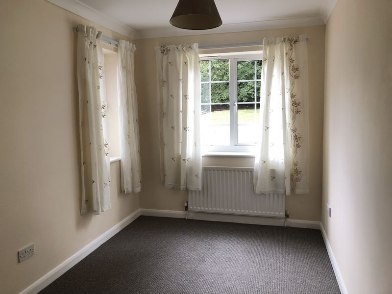 2 bed bungalow to rent in Otterham Quay Lane 7