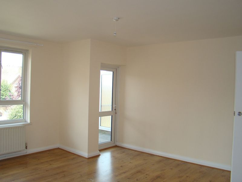 2 bed flat to rent in Corporation Street 3
