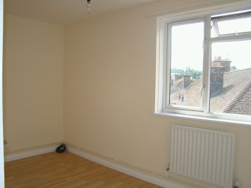 2 bed flat to rent in Corporation Street 6