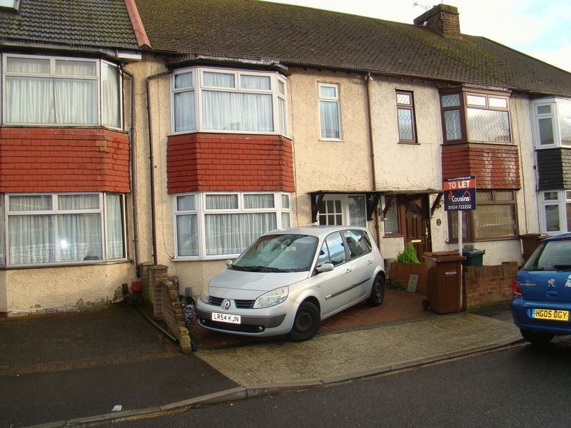 3 bed house to rent in Dial Road 1