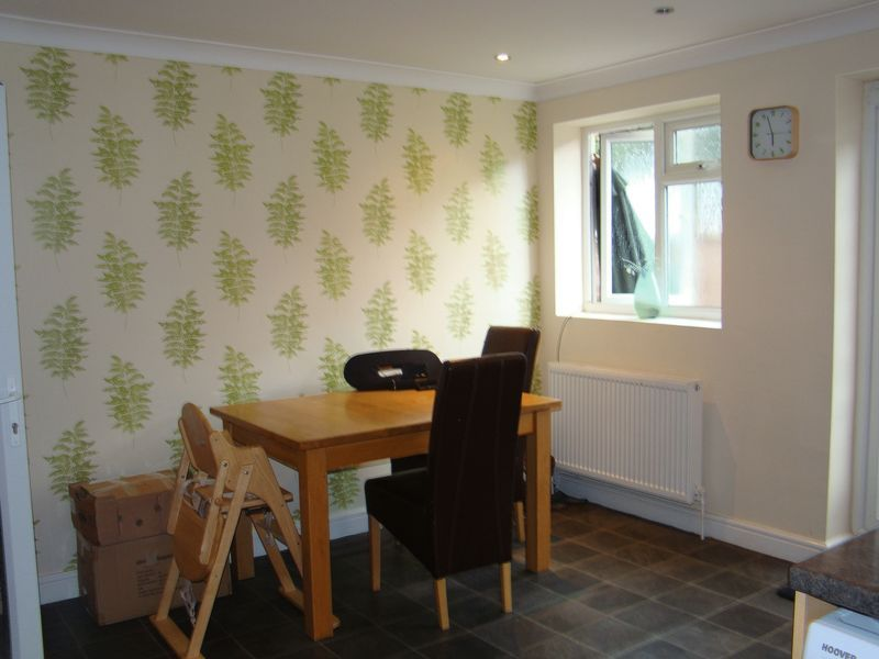 3 bed house to rent in Dial Road  - Property Image 5