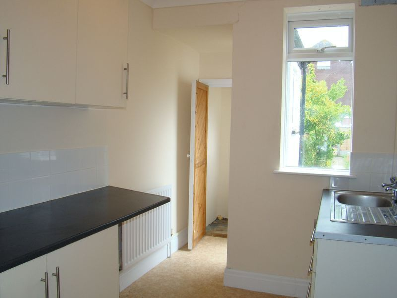3 bed house to rent in Orchard Street 4