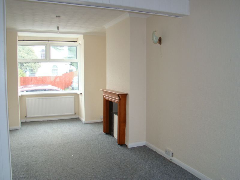 3 bed house to rent in Gillingham Road 2