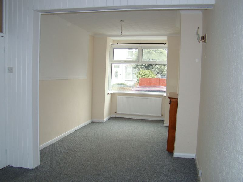 3 bed house to rent in Gillingham Road 3