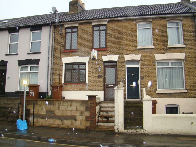 2 bed house to rent in Canterbury Street 1