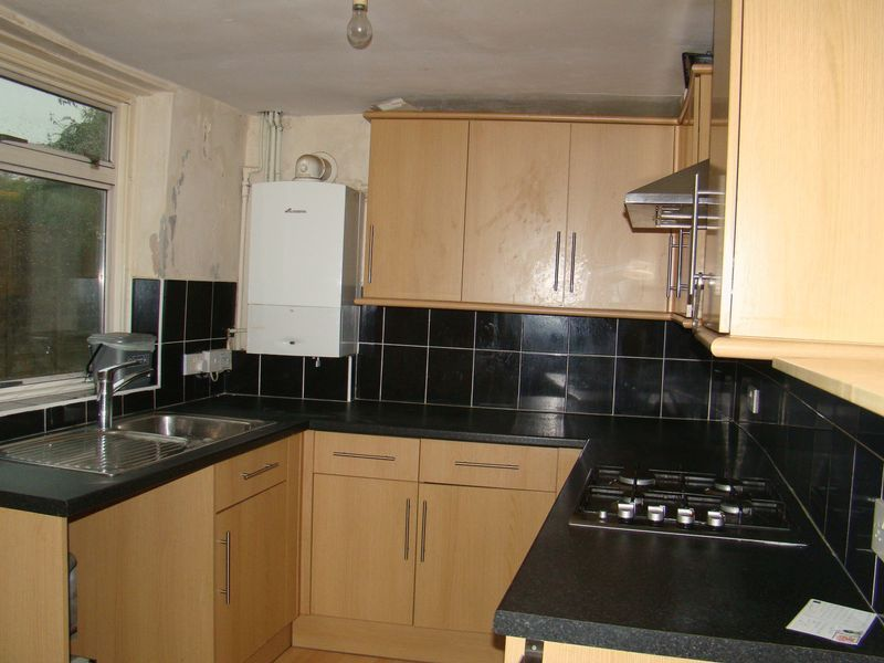 2 bed house to rent in Canterbury Street 2