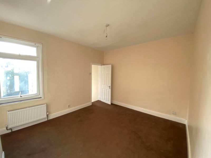 2 bed house to rent in Green Street  - Property Image 3