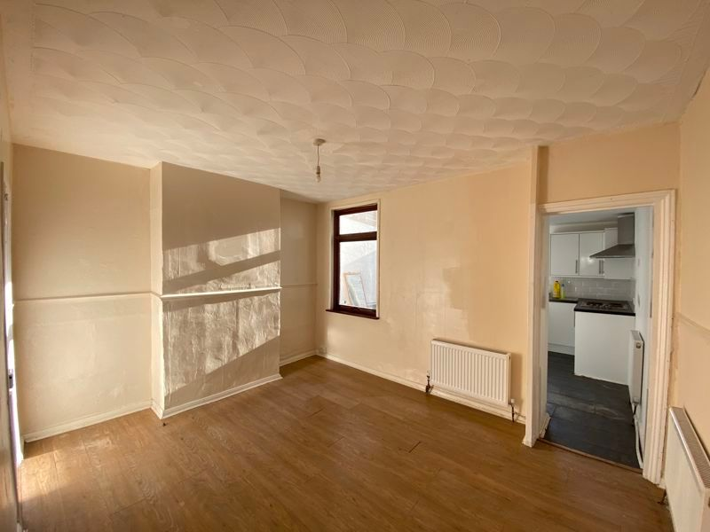 2 bed house to rent in Green Street  - Property Image 7