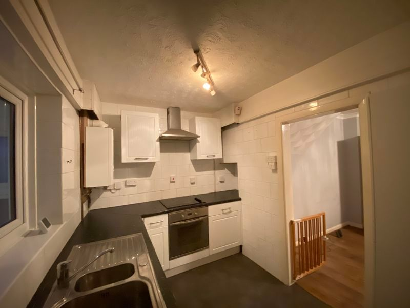 3 bed house to rent in Darnley Road  - Property Image 2