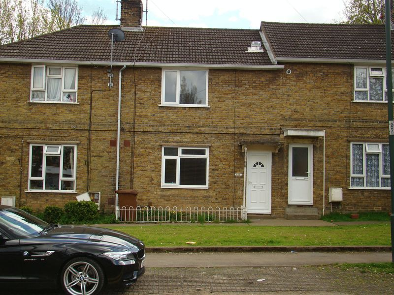 3 bed house to rent in Darnley Road 11