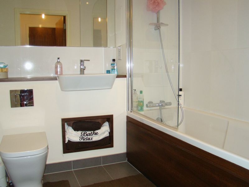 1 bed flat to rent in Pearl Lane 7