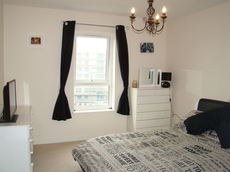 1 bed flat to rent in Pearl Lane 8