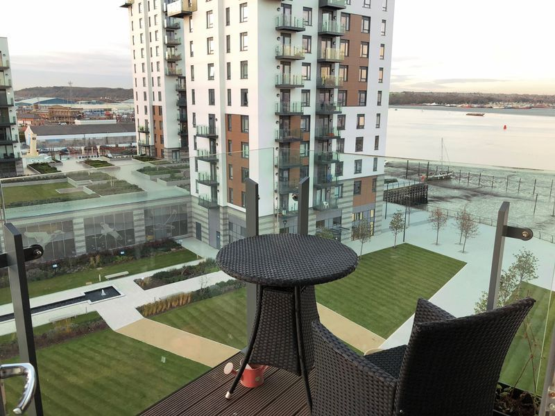 1 bed flat to rent in Pearl Lane 10