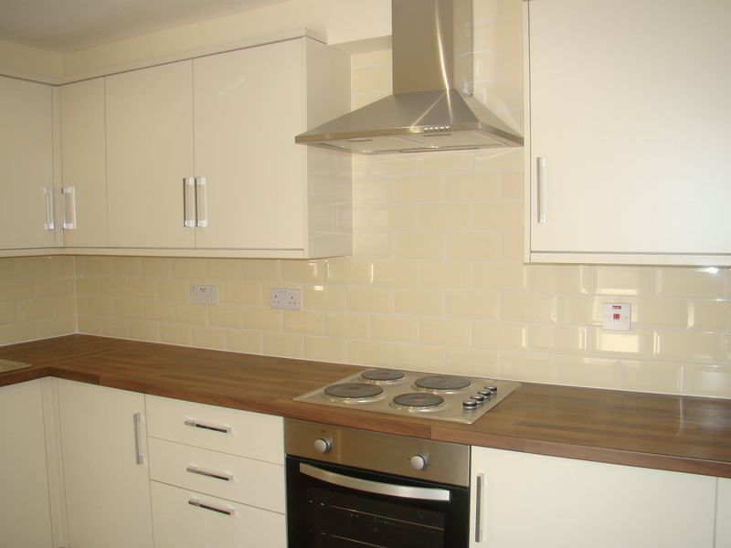 2 bed house to rent in Luton Road  - Property Image 2