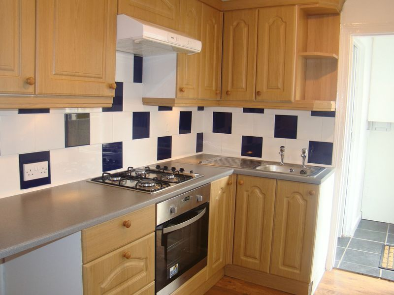3 bed house to rent in Eva Road