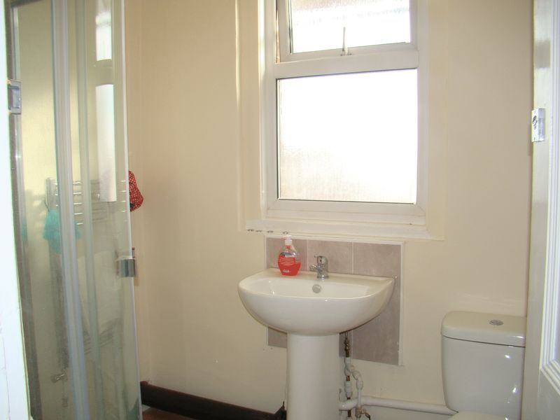 1 bed house-share to rent in Maidstone Road  - Property Image 3