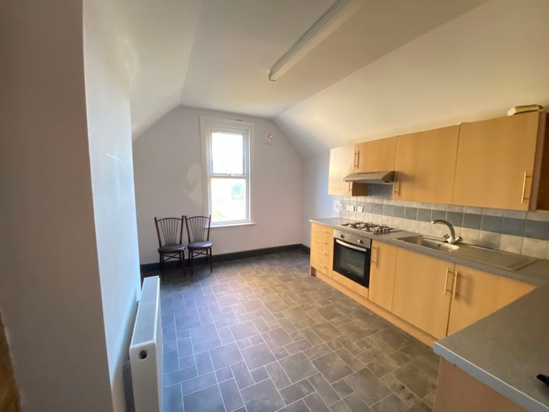 3 bed flat to rent in James Street 3