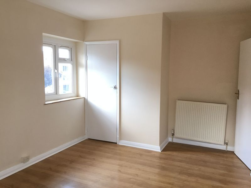 3 bed flat to rent in Goudhurst Road 7