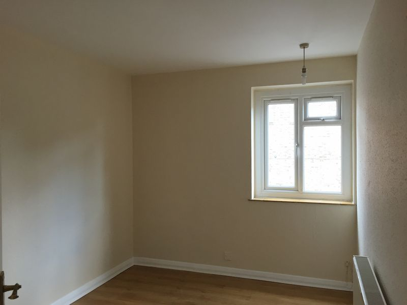 3 bed flat to rent in Goudhurst Road 8