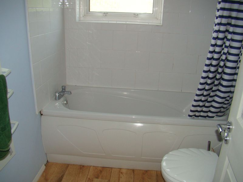 2 bed house to rent in East Street  - Property Image 2
