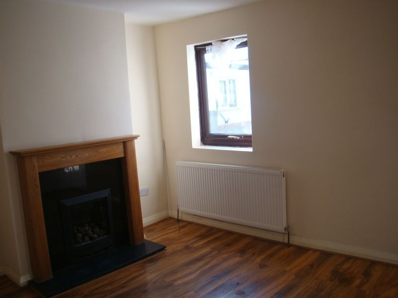 2 bed house to rent in Fox Street  - Property Image 6