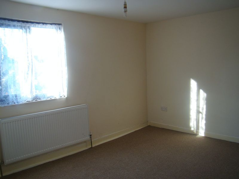 2 bed house to rent in Fox Street 8