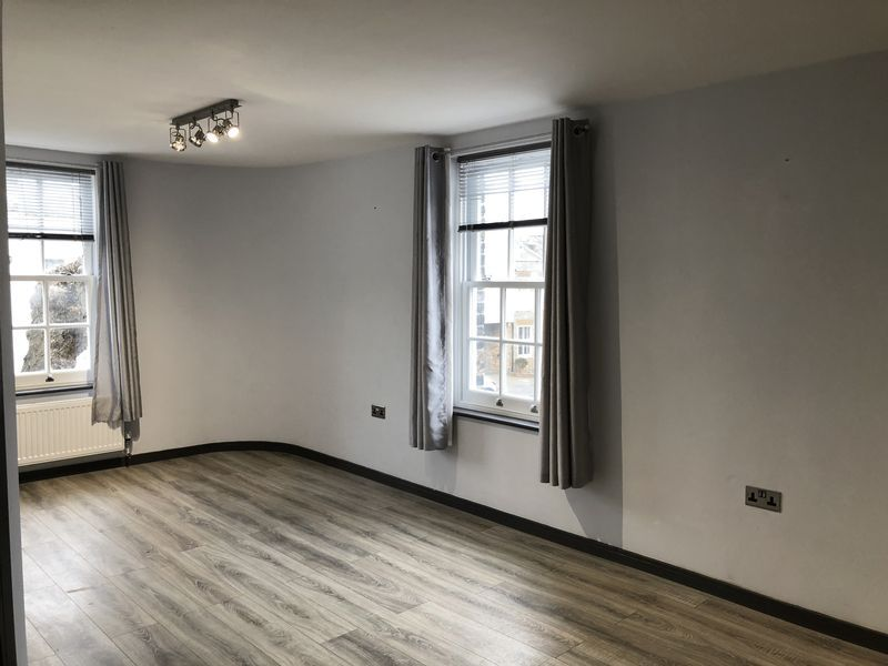 1 bed flat to rent in Fox Street 1