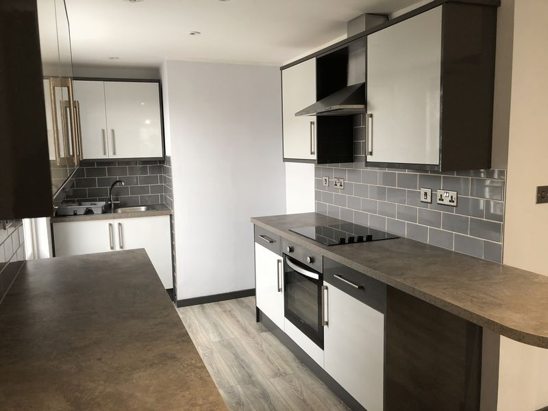 1 bed flat to rent in Fox Street 2