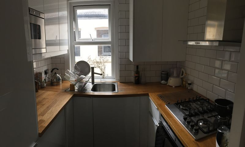 2 bed flat to rent in Avondale Road 3