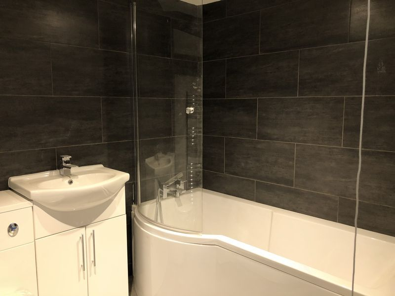 1 bed flat to rent in High Street  - Property Image 11