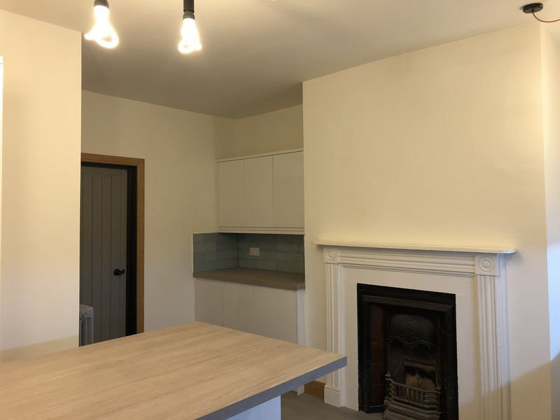 1 bed flat to rent in High Street 8
