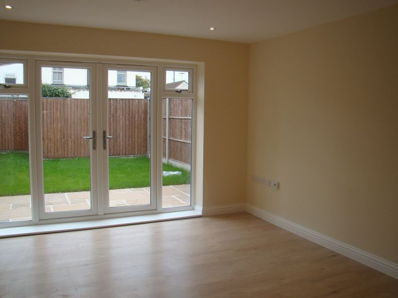 3 bed house to rent in Granary Close 2