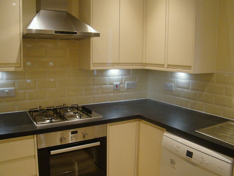 3 bed house to rent in Granary Close 3