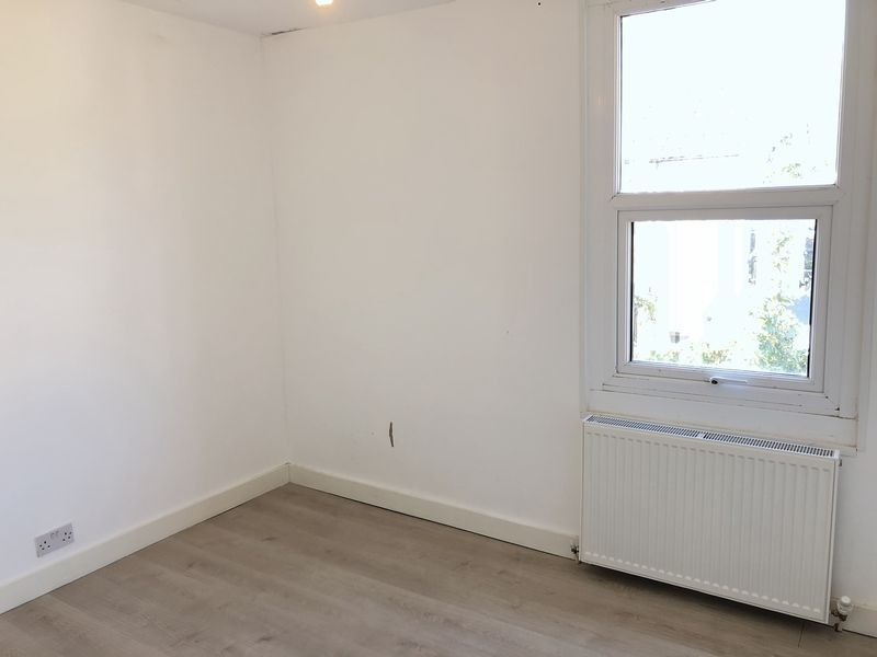 2 bed house to rent in Fox Street  - Property Image 12