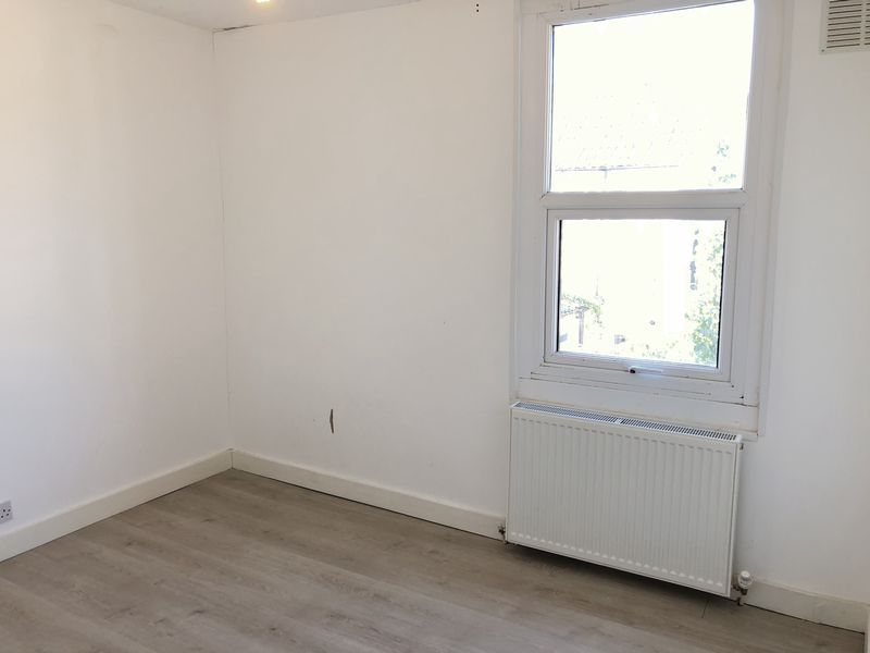 2 bed house to rent in Fox Street  - Property Image 13