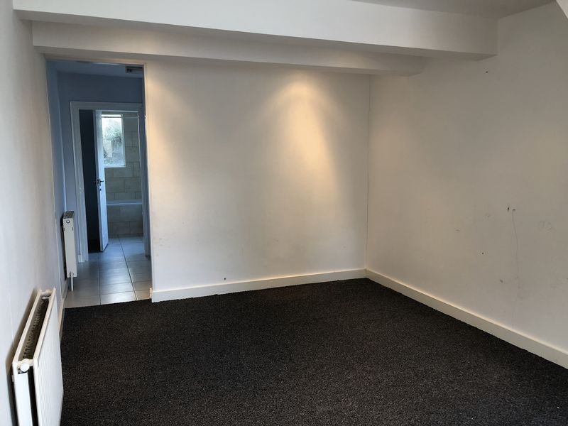 2 bed house to rent in Fox Street 5