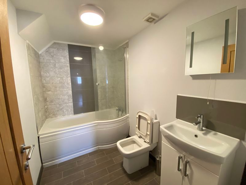 1 bed flat to rent in Saunders Street  - Property Image 3