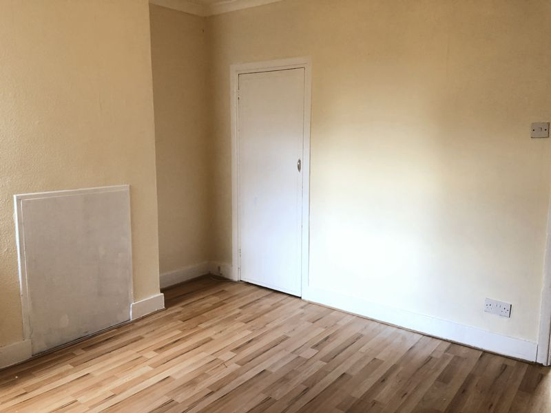 3 bed house to rent in Charter Street 2