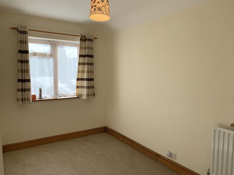 3 bed house to rent in Danes Hill 8