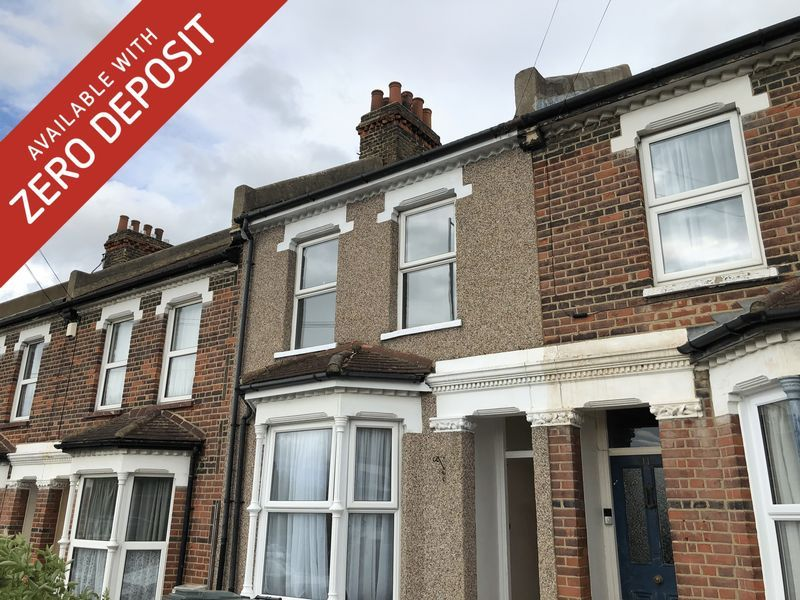 2 bed house to rent in Stuart Road 1