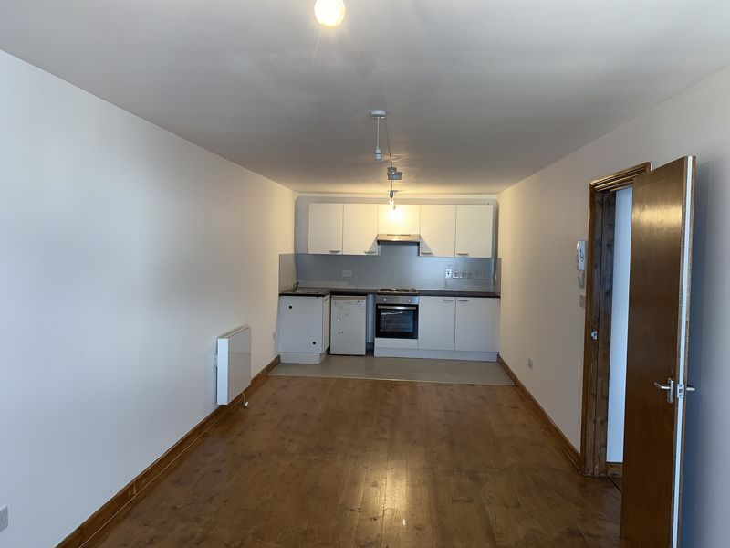1 bed flat to rent in High Street 4